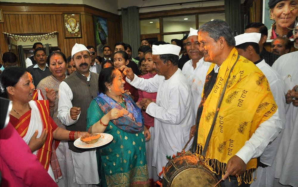 Chief Minister Harish Rawats with his wife Renuka