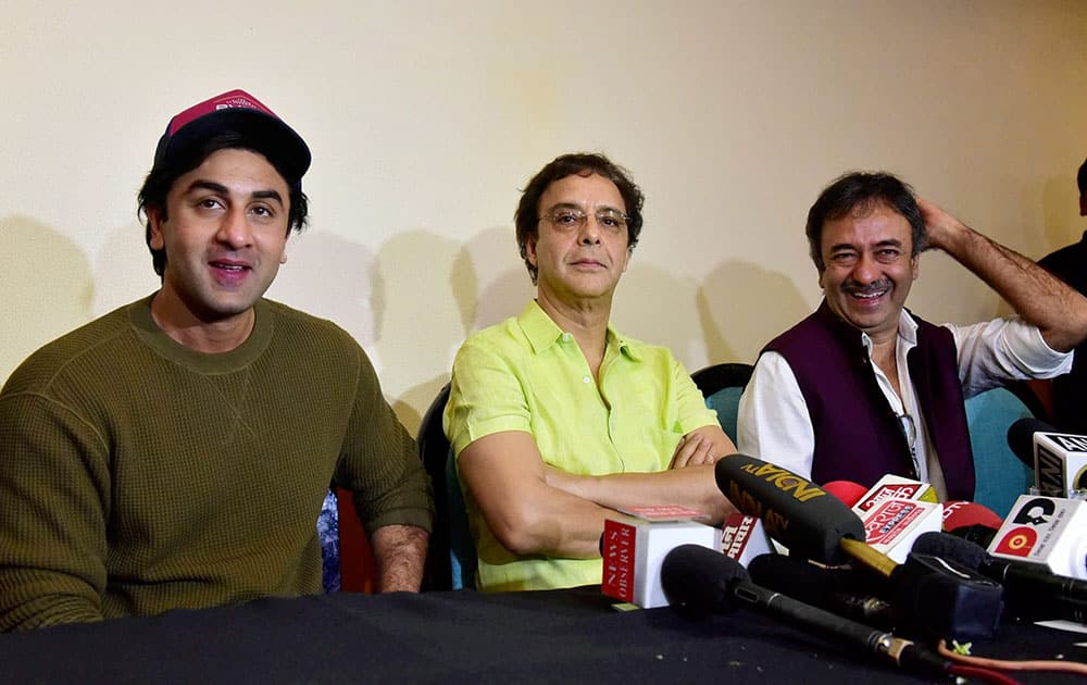 Ranbir Kapoor with filmmakers Vidhu Vinod Chopra and Rajkumar Hirani