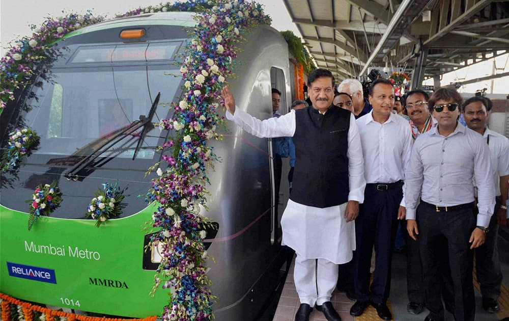 Maharashtra Chief Minister Prithviraj Chavan inaugurates Mumbai`s first Metro starting from Versova station towards Ghatkopar station, in the presence of Anil and Teena Ambani.
