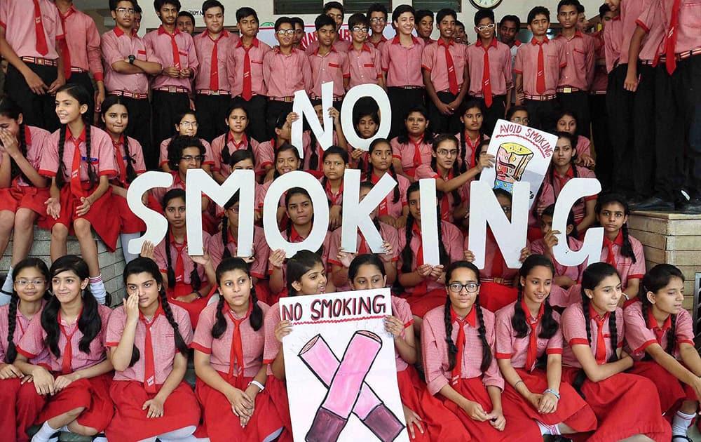 School children observe World No Tobacco Day event.