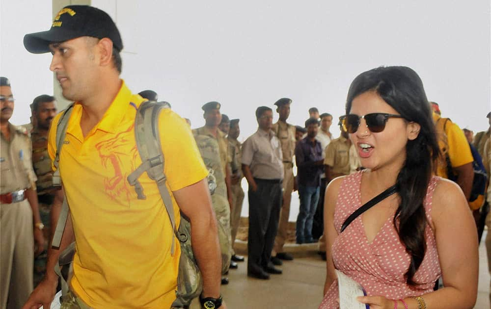 Mahendra Singh Dhoni of Chennai Super Kings with his wife Sakshi in Ranchi before leaving for Bengaluru.