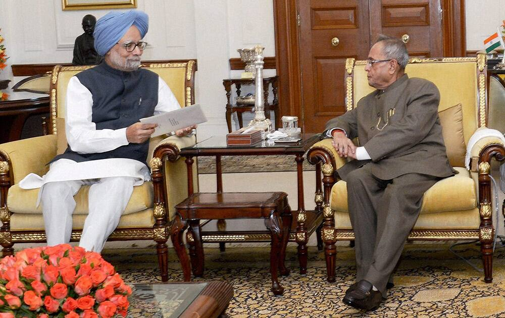 Prime Minister Manmohan Singh meets President Pranab Mukherjee to submit his resignation at Rashtrapati Bhavan in New Delhi.