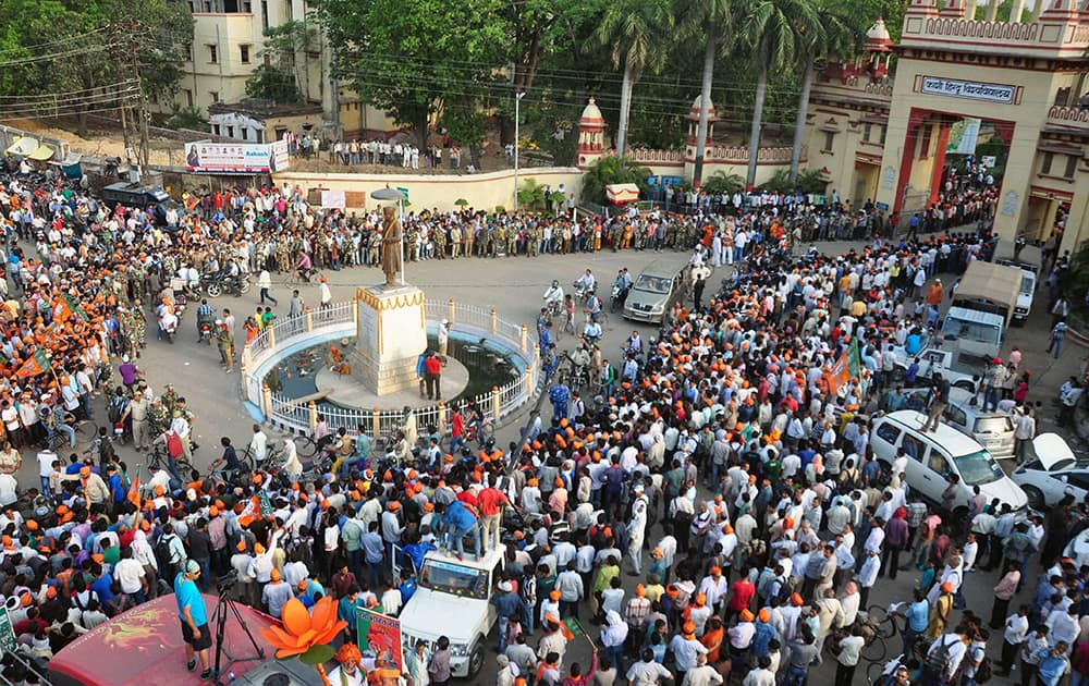 A scene during BJP PM candidate Narendra Modi`s election road show in Varanasi.