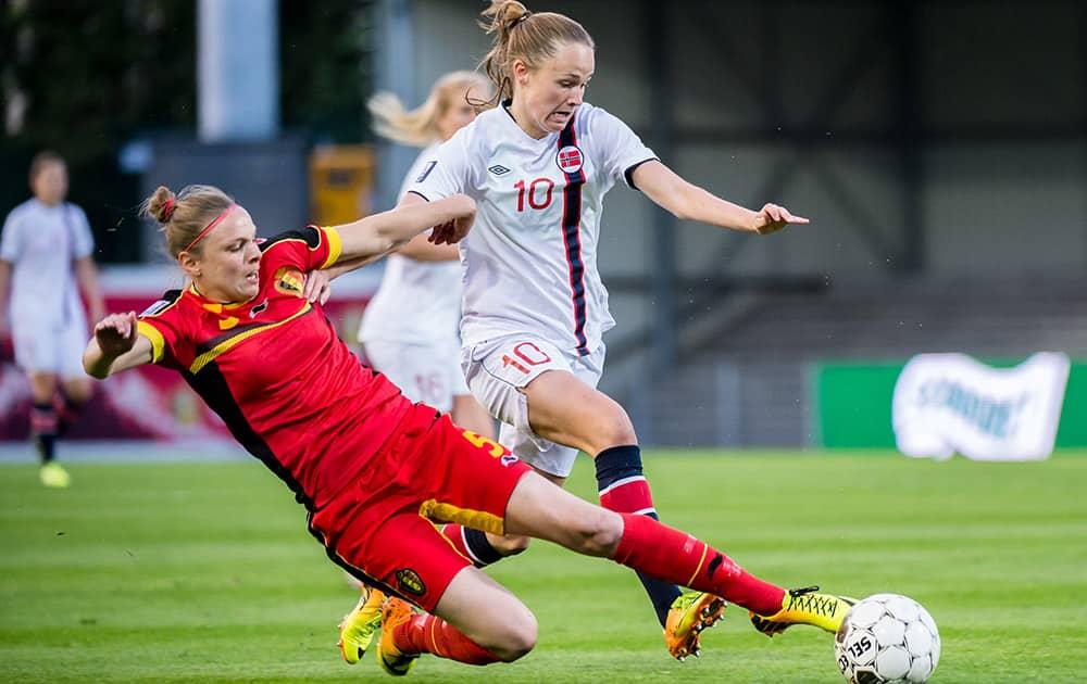 Belgium`s Lorca Van de Putte, left, challenges Norway`s Caroline Graham Hansen during the Women`s World Cup Group 5 qualifying match in Leuven, Belgium.