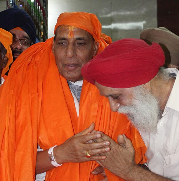 President Rajnath Singh during a visit to a Gurudwara in Lucknow.