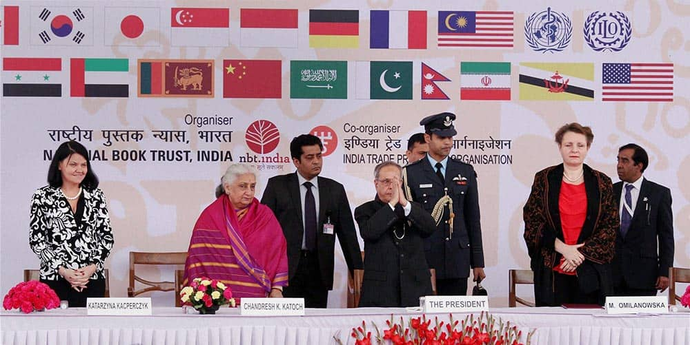 President Pranab Mukherjee , Chandresh Katoch, Union Minister for Culture and others during the inauguration of world book fair, in New Delhi.
