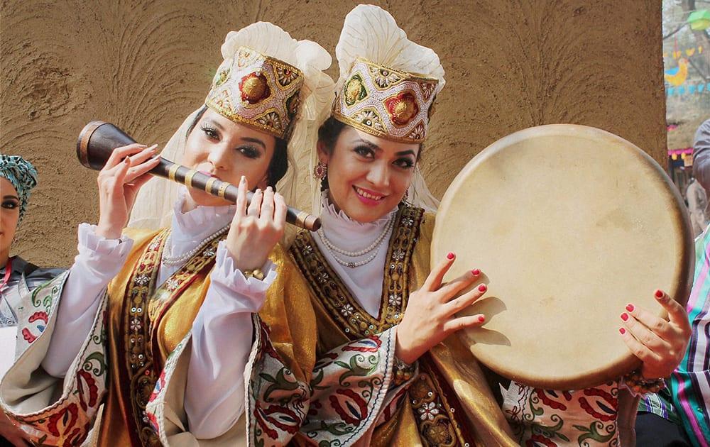 Uzbekistan artists perform during 28th Surajkund International Crafts Mela in Faridabad.