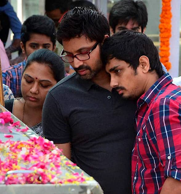 Family members and relatives mourn near the mortal remains of legendary actor Akkineni Nageswara Rao who passed away in Hyderabad.