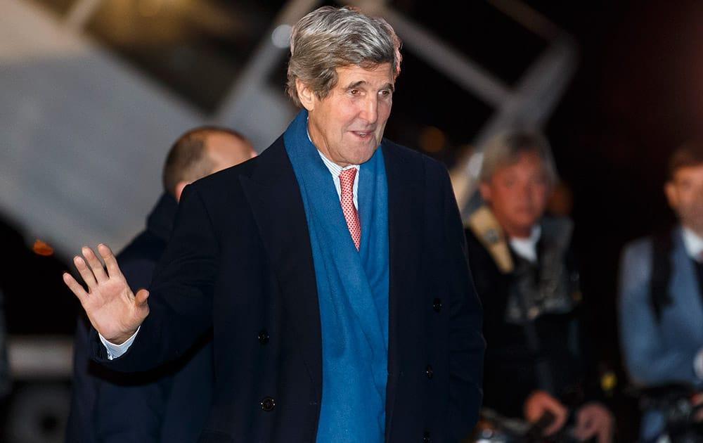 US Secretary of State John Kerry arrives at Geneva International airport, in Geneva, Switzerland.