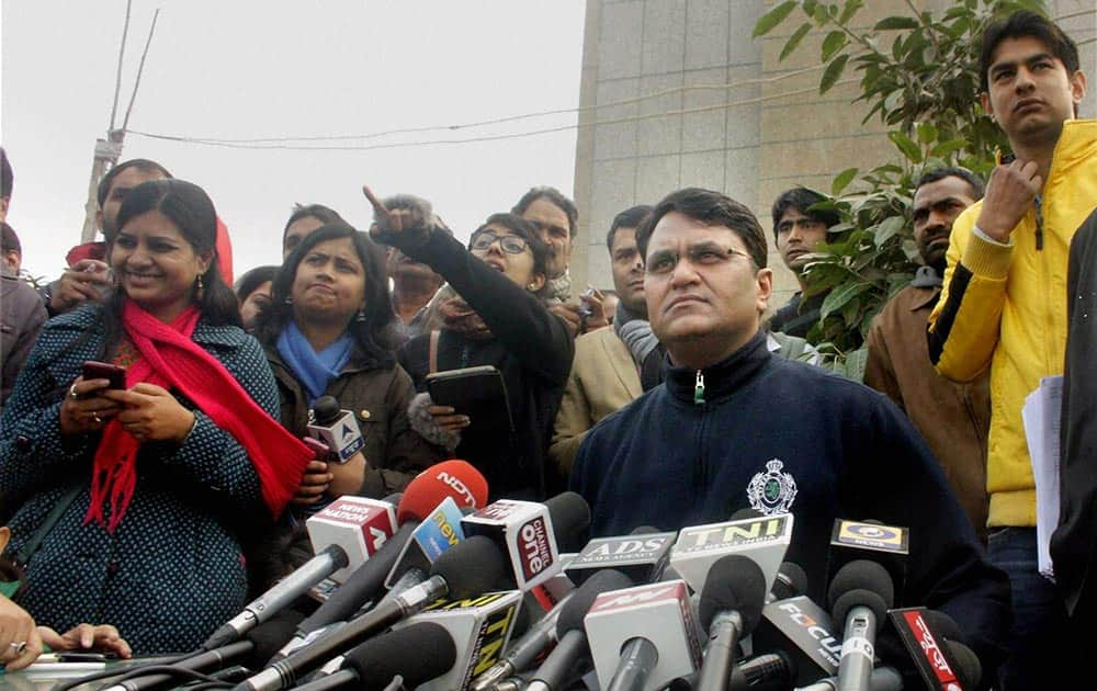 AAP MLA Vinod Kumar Binny addressing a press conference in Delhi.