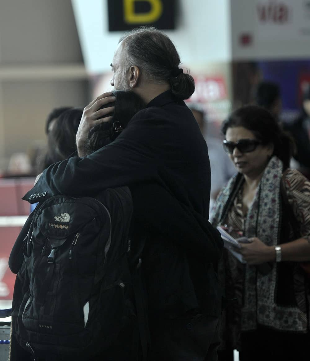 Tehelka editor-in-chief Tarun Tejpal at the Indira Gandhi International Airport in New Delhi on Friday before boarding flight to Goa. Pic Courtesy: arijit sen. Dna