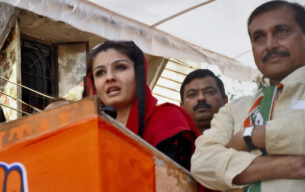 Raveena Tandon speaks at an election rally in favour of Congress party in Bhopal.