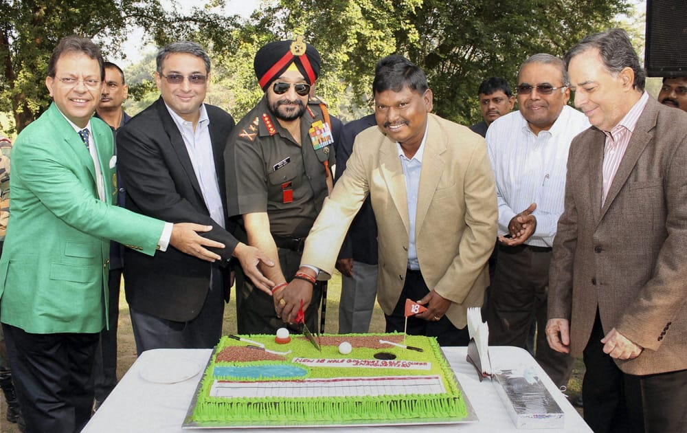Army Chief General Bikram Singh, with former Jharkhand Chief Minister Arjun Munda, Tata Steel Managing Director, T V Narendran and his predecessor H M Nerurka, during the inauguration of 8th hole at Golmuri Golf Course, in Jamshedpur.