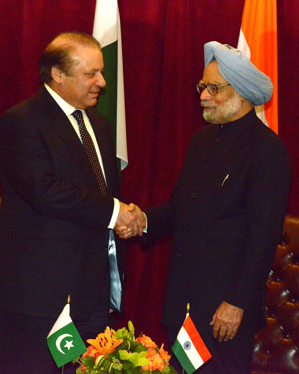 Pakistan PM Nawaz Sharif and Indian PM Manmohan Singh during a meeting in New York.