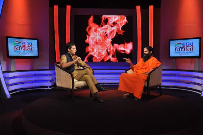 Baba Ramdev lays bare his view on the show Nishane Pe, with Anchor Ashutosh Rana.