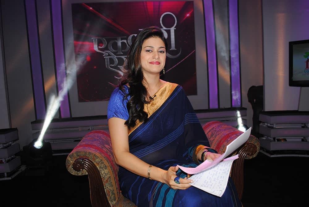 Divya Jaitly hosting Bharat Bhagya Vidhata show - `Ek Nari Aisi Bhi`.