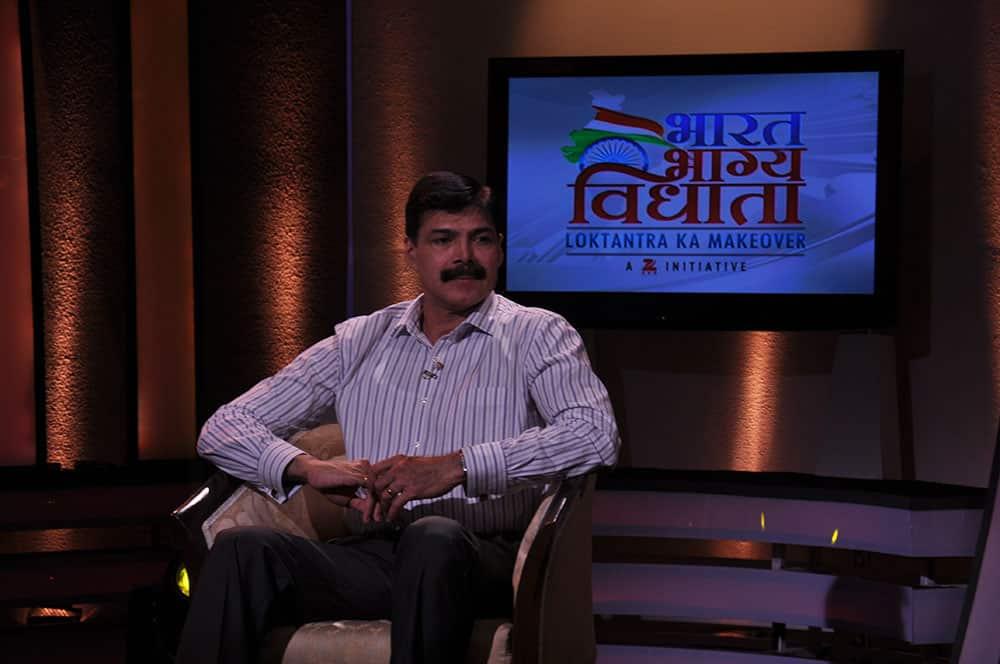 K Vijay Kumar, IPS officer, on the sets of Bharat Bhagya Vidhta show - `Mudda Apka`.