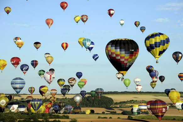 Over 400 hot-air balloons take off in Chambley-Bussieres, eastern France.