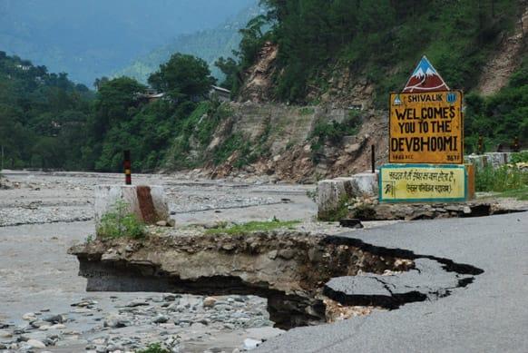Uttarakhand floods: Massive destruction did not even spare Gods. Photo Courtesy: Siddharth Behl/SEEDS