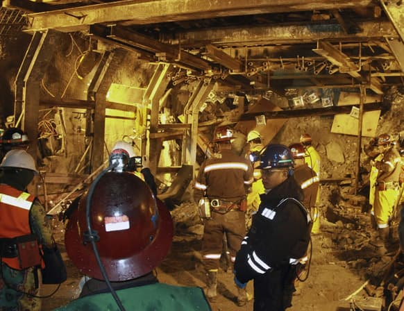Indonesian unit of Arizona-based Freeport-McMoRan Copper & Gold Inc, rescuers gather inside a tunnel that collapsed on Tuesday morning as they continue the attempt to rescue trapped workers at Big Gossan mining area in Mimika.