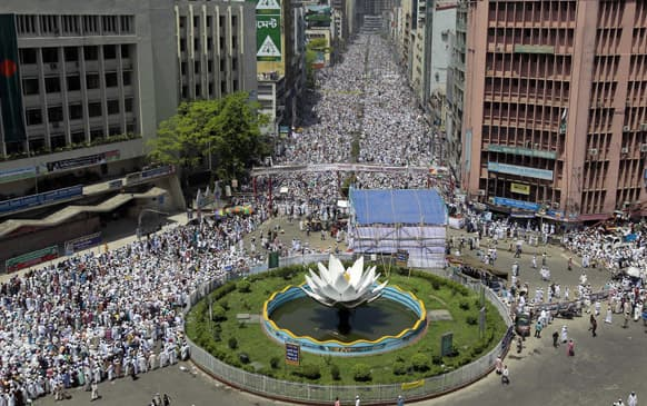 Thousands of Hifazat-e-Islam activists gather for a rally to demand authorities enact an anti-blasphemy law punishing people who insult Islam, in Dhaka.