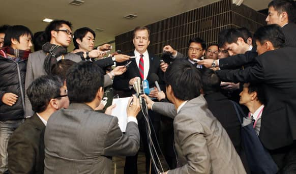 US envoy for North Korea Glyn Davies, who arrived in Tokyo Saturday for a four-day visit, speaks to reporters after meeting with his Japanese counterpart Shinsuke Sugiyama at Japan`s Foreign Ministry.