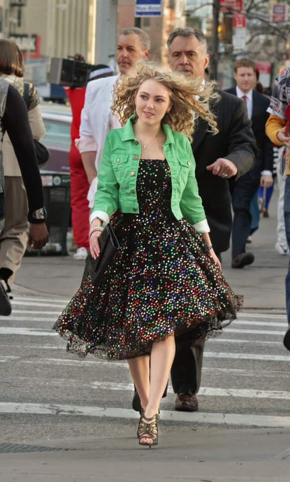 This undated image released by The CW shows AnnaSophia Robb as Carrie Bradshaw in