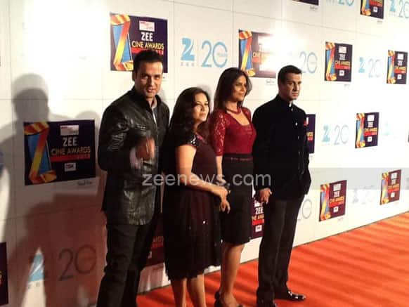 TV actor Ronit and Rohit Roy with their respective wifes Neelam and Mansi at the event.