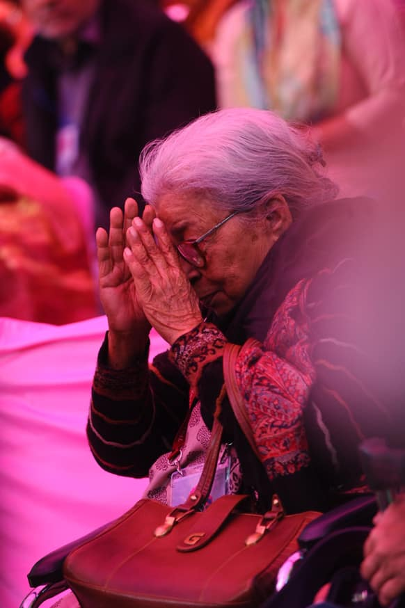 The DSC Jaipur Literature Festival 2013, possibly the most high profile gathering of litterateurs in Asia, kicked off Thursday with rights campaigner and Bengali writer Mahasweta Devi saying that