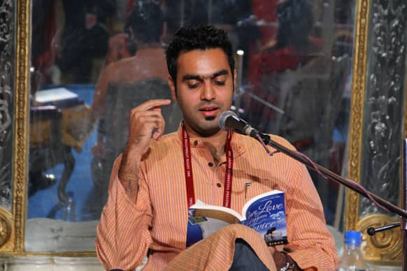 Author Ravinder Singh reading a passage from his book 'Can love happen twice'.