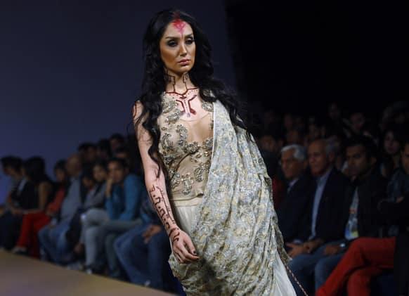 A model presents a creation by Rina Dhaka at the Bangalore Fashion Week.