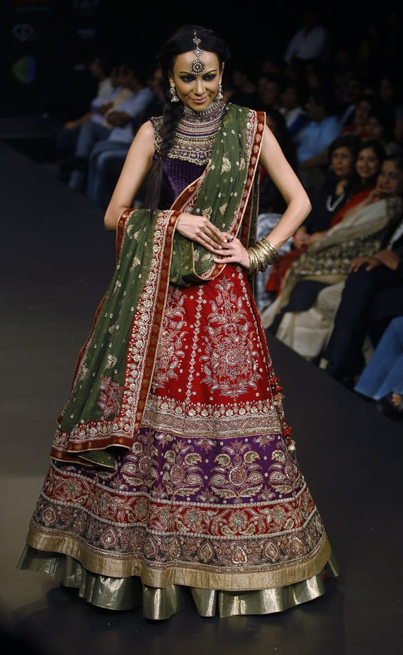 A model presents a creation by Ritu Kumar at the finale of Bangalore Fashion Week.