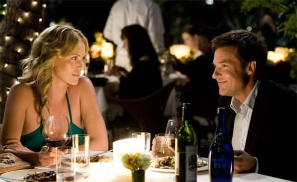 A dinner date on the Valentine's Day is an age-old way to spend some mushy moments with your beloved.