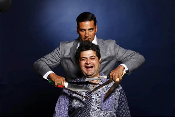 Akshay Kumar recently tweeted this funny photo of his with Celebrity Photographer Dabboo Ratnani with the accompanying tweet: