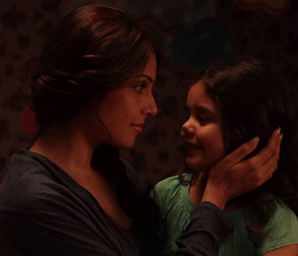 Here's a brand new still from the film 'Aatma'. It stars Bipasha Basu and Nawazuddin Siddiqui in pivotal roles.