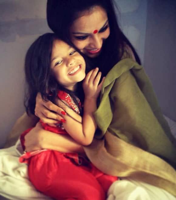 Bipasha Basu with her niece. Image courtesy: @bipsluvurself