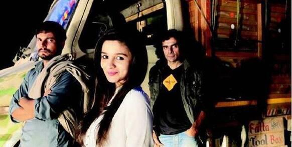 Alia Bhatt, Randeep Hooda and Imtiaz Ali on the sets of 'Highway'.