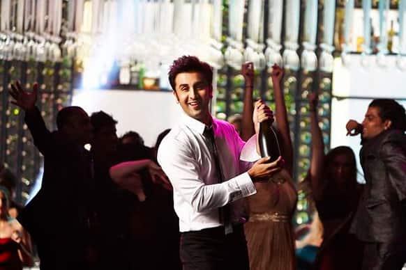 Hot and smoking Ranbir Kapoor in a still from 'Yeh Jawaani Hai Deewani'!