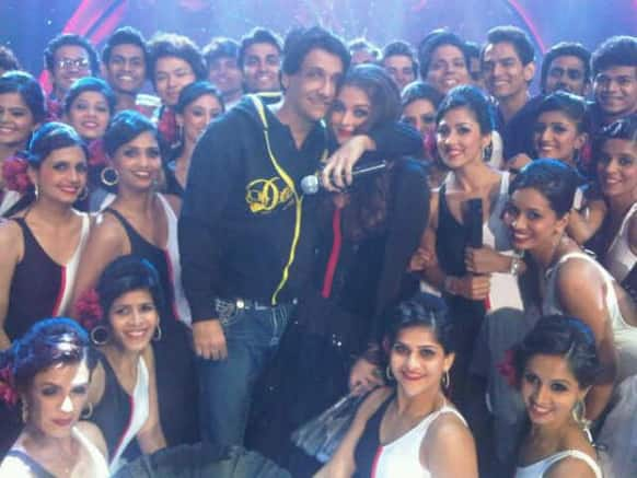 Aishwarya Rai Bachchan gets a tight hug from Shiamak Davar after her performance at the Femina Miss India 2013.