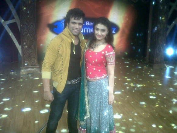 Ragini Khanna and Rithvik Dhanjani on the sets of Zee TV's 'India's Best Dramebaaz'.