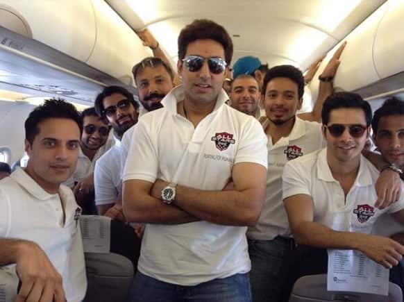 Raj Kundra posted this pic of Abhishek Bachchan on Twitter.