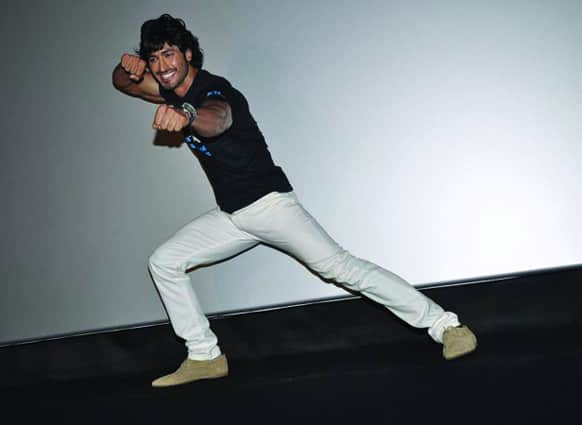 Now that's some move! Vidyut Jamwal was snapped at the launch of a Pro-vegetarianism ad by PETA.