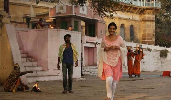Sonam Kapoor and Dhanush in a still from their upcoming flick 'Raanjhanaa'.