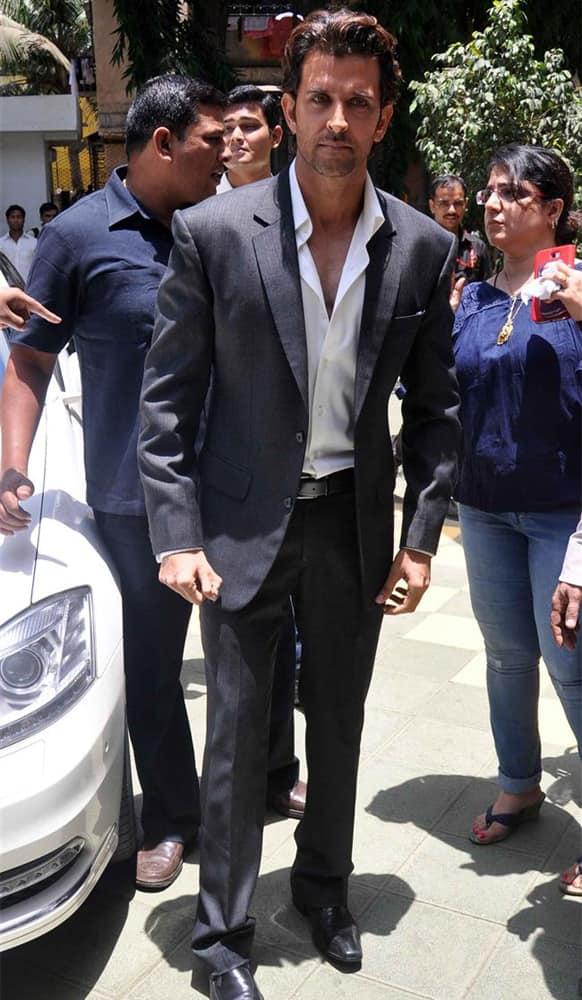 Hrithik Roshan poses for a photograph at the Dadasaheb Phalke Academy Awards 2013.