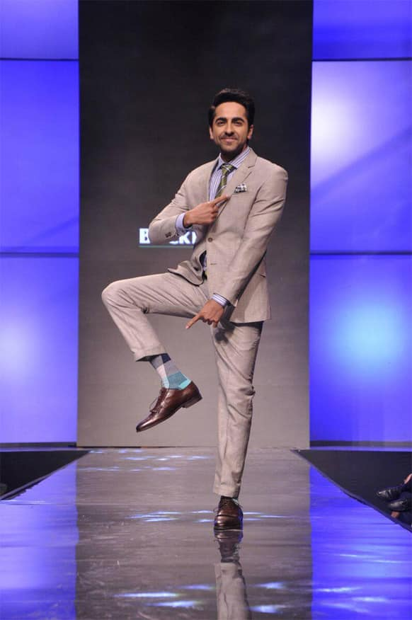 Ayushmann Khurrana strikes a Shiva-pose at a recently held event where the 'Vicky Donor' star walked the ramp.