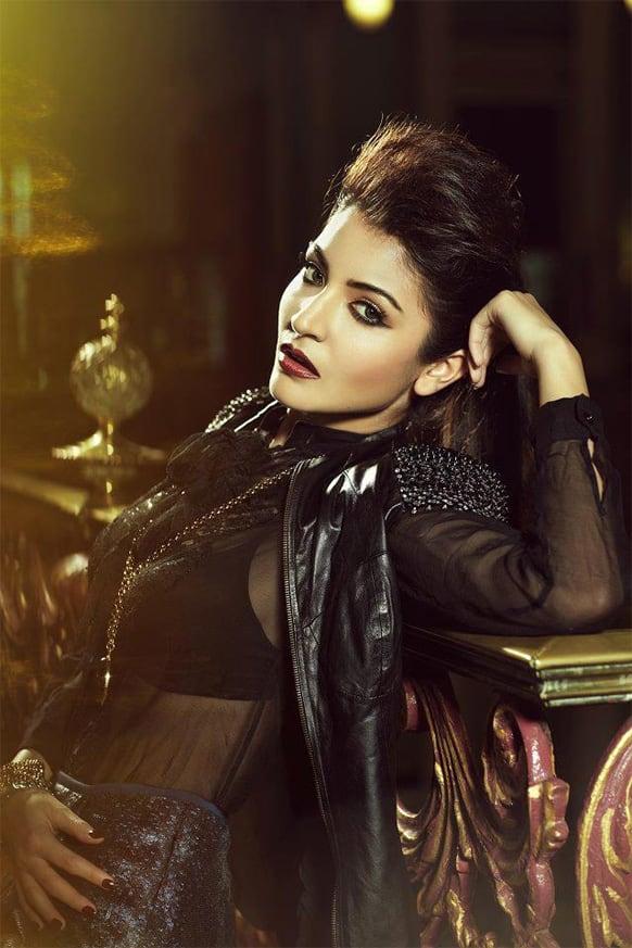 Anushka Sharma sets the temperatures soaring as she poses for the lenses.