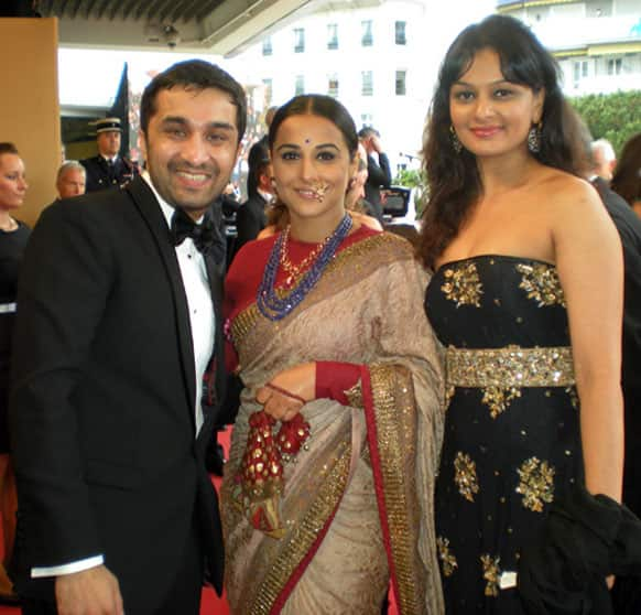 Siddhanth Kapoor, Vidya Balan and Tejaswini Kolhapore smile for the shutterbugs at the ongoing Cannes film fest.
