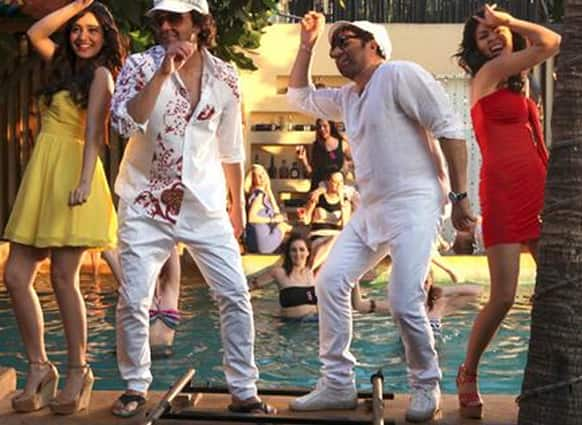 Sunny and Bobby Deol match steps with their love interests in this still from 'Yamla Pagla Deewana'.