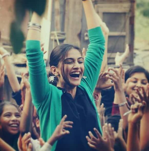 Sonam Kapoor seems to be enjoying herself in this still from 'Raanjhanaa'.