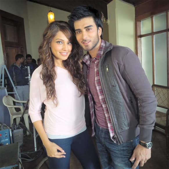Bipasha Basu recently tweeted this pic of hers from the sets of her film 'Creature':